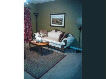 Well-furnished room perfect for medical students in...