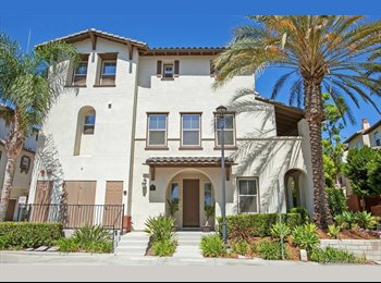 EasyRoommate US - Great Condo and Location  - Eastlake, San Diego - $800 pcm