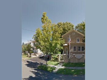 EasyRoommate US - Room available in Large 3 bedroom! Easy parking! - Yonkers, Westchester - $667 pcm
