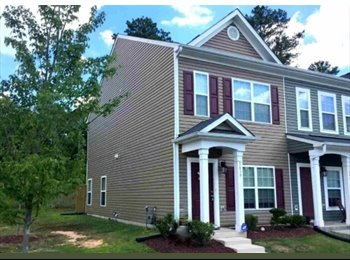 EasyRoommate US - Double master townhouse between Durham and Raleigh - Durham, Durham - $750 /mo
