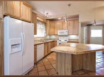 EasyRoommate US - Phoenix house with pool! - Central Phoenix, Phoenix - $800 pcm