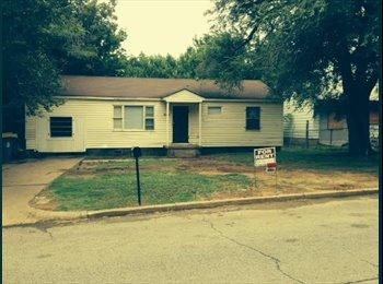 EasyRoommate US - Nice 4 bedroom on Quiet Street - Tulsa, Tulsa - $850 pcm