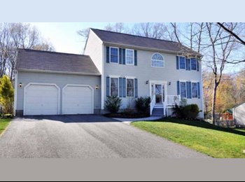 EasyRoommate US - Beautiful private road fully furnished house - Cranston, Greater Providence - $1,200 pcm
