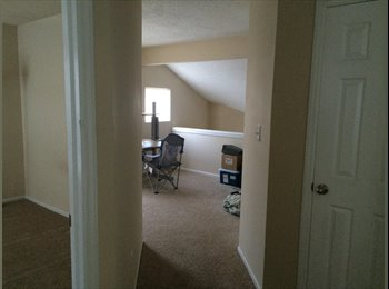 EasyRoommate US - Roomate for Duplex Private Bathroom, Bedroom + Loft Area. Available Imediately ! - Mecklenburg County, Charlotte Area - $600 pcm