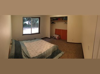 Room available in house with Air Conditioning!