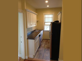 EasyRoommate US - College Hill, Graduate Student, $800 per month RISD/BROWN (College Hill) - East Providence, Greater Providence - $800 pcm