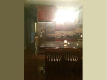 EasyRoommate US -  $1060 Seeking roommate in Large 3 bedroom apartment - Astoria  - Astoria, New York City - $1,060 pcm