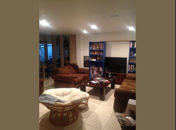 Large room for rent in HB, ideal for students or a couple....