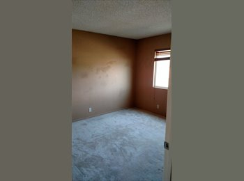 1 room available in 5 bedroom home