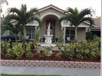 EasyRoommate US - Five Star Extravagant Family Home - Plantation, Ft Lauderdale Area - $795 pcm