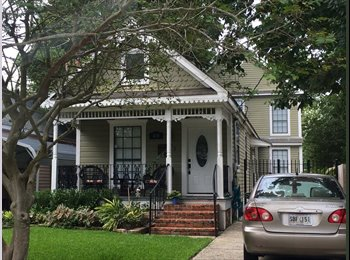 EasyRoommate US - Large private bed & bath in house with a pool ! - Algiers, New Orleans - $925 /mo