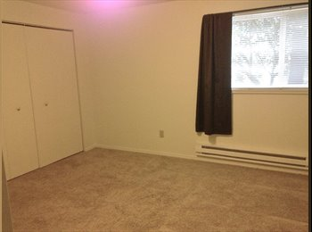 EasyRoommate US - Split bedroom apartment in an awesome community - Clackamas, Portland Area - $600 /mo