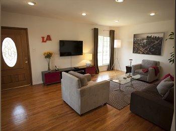 EasyRoommate US - San Vicente 4BR House with Pool - Santa Monica, Los Angeles - $800 /mo