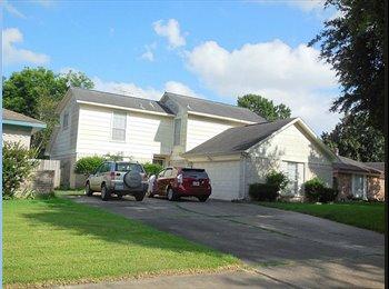 EasyRoommate US - 1.5 story house  - League City / Clear Lake, Houston - $400 /mo