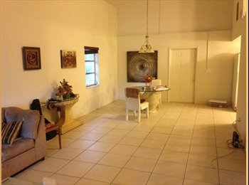 Cheap Private Room for Rent near Downtown Fort Lauderdale...