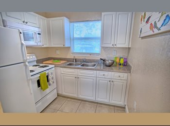 ROOM AVAILABLE in 2br/1bath - FULLY FURNISHED APARTMENT,...