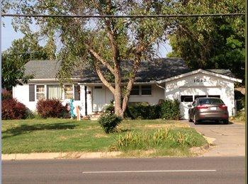 EasyRoommate US - Looking for female roommate! - Wichita, Wichita - $300 /mo
