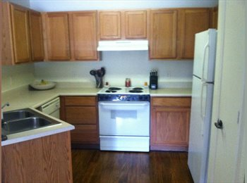 EasyRoommate US - Private Bedroom & Bathroom Utilities Included 375 - Port St Lucie, Other-Florida - $375 /mo