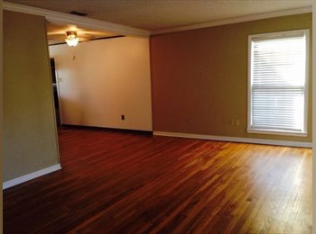 EasyRoommate US - Nice house close to campus - Lubbock, Lubbock - $465 /mo