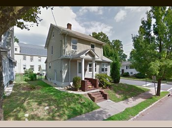 Room in Charming Colonial (Maplewood)