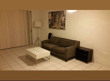 EasyRoommate US - Roommate needed Space for rent / Espacio de Renta para roommate - Hialeah, Miami - $500 /mo