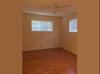 SPACIOUS LOVELY ROOM VERY PRIVATE IN A 4-BEDROOM HOUSE...