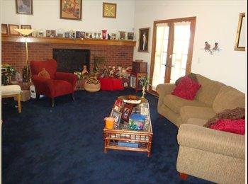 EasyRoommate US - Host Home Student Housing - Aurora, Aurora - $750 /mo