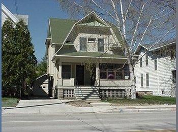 EasyRoommate US - Nice 4 br house . - Oshkosh, Oshkosh - $500 /mo