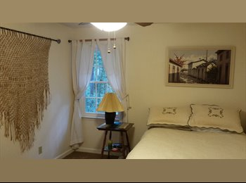 EasyRoommate US - Room with furnitures and bed sheet and towels - Augusta, Augusta - $500 /mo