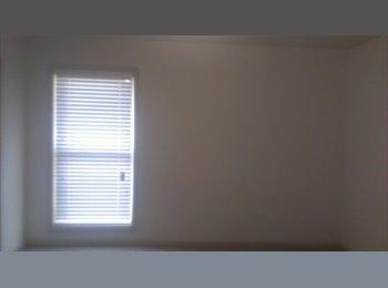 1 bedroom w/walk-in closet