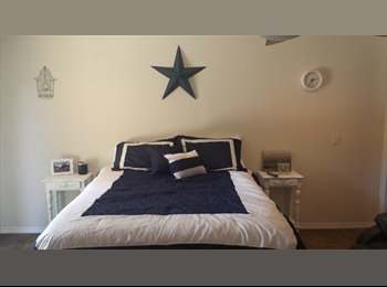 EasyRoommate US - Back House Room for Rent - Downtown, Fort Worth - $600 /mo