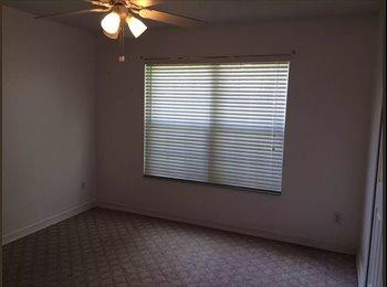 EasyRoommate US - Saint Augustine Room $550 - Southeast Jacksonville, Jacksonville - $550 /mo