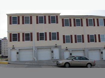 EasyRoommate US - Pitt Campus Room Available  in Newer Townhome  - Pittsburgh Northside, Pittsburgh - $600 /mo