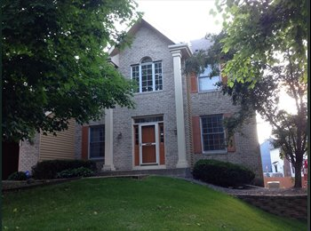 Beautiful Spacious house in Eden Prairie with Woodsy...
