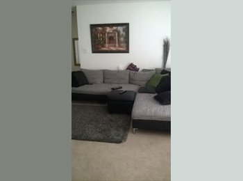 LOOKING FOR A ROOMMATE BY SEPTEMBER 1ST $550 NEAR JEFFERSON...
