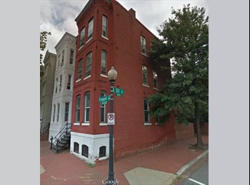 EasyRoommate US - 2 Spots available in Georgetown Townhouse - Georgetown, Washington DC - $1,400 /mo