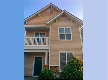 EasyRoommate US - Naturally lit room with adjoining porch in beautiful townhouse - Mecklenburg County, Charlotte Area - $525 /mo