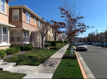 EasyRoommate US - 2 Bedrooms available for professionals - Vallejo, Oakland Area - $750 /mo
