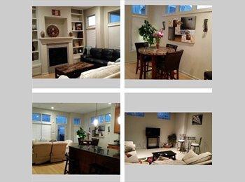 Available Room w/ Bathroom in 3 BD 3 1/2 Bath House