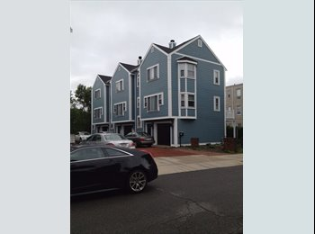 EasyRoommate US - Large Private Room in Amazing South Boston Property - South Boston, Boston - $1,325 /mo