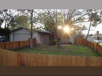EasyRoommate US - House for rent in VIsta-pool-yard - Vista, San Diego - $500 /mo