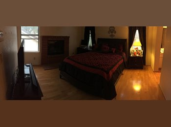 EasyRoommate US -  Menifee lakes Master bedroom w/fireplace/ utilities included - Murrieta, Southeast California - $650 /mo