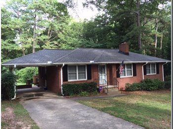EasyRoommate US - My buddy is moving out but I want to stay! - Sandy Springs / Dunwoody, Atlanta - $725 /mo
