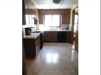 APT SHARE - Spacious w/ Fully Applianced Kitchen / Laundry...
