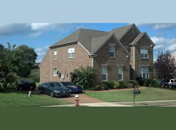 EasyRoommate US - Furnished room in luxury home within upscale community - Central Nashville-Davidson Co., Nashville Area - $650 /mo