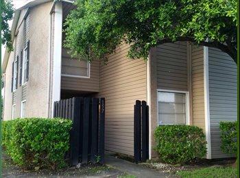 EasyRoommate US - Need a female to share a master room - Corpus Christi, Corpus Christi - $230 /mo