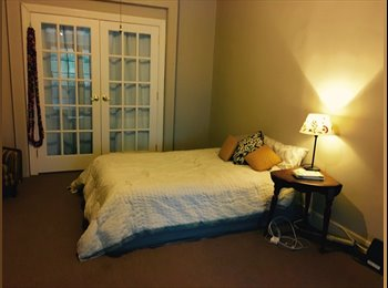 Spacious, cozy room near L and M trains