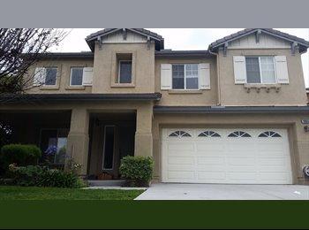 EasyRoommate US - Room for Rent $600 // Oceanside, CA - Oceanside, San Diego - $600 /mo