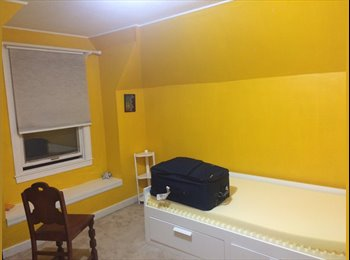 Renting Room / Se Renta Habitacion