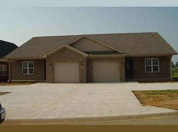 EasyRoommate US - 1100 Peachtree Place Hopkinsville, KY 42240 - Hopkinville, Other-Kentucky - $925 /mo